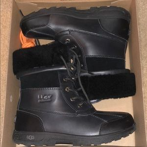 Ugg Waterproof Snowboots BIG kids butte II